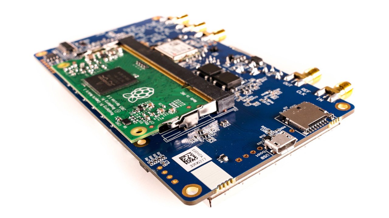 LimeNET Micro Bottom with Raspberry Pi Compute Module 3